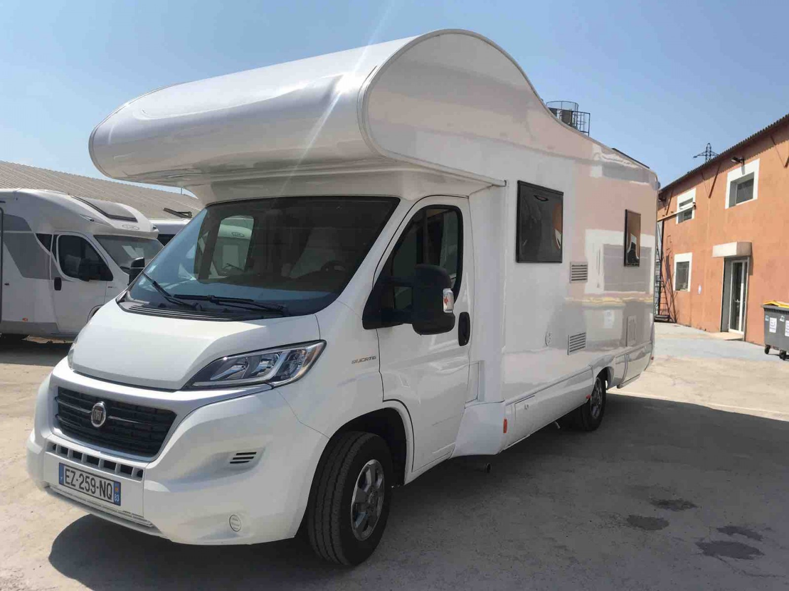 camping car d 39 occasion blucamp sky free pmr achat de camping car neuf et occasion sur toulon