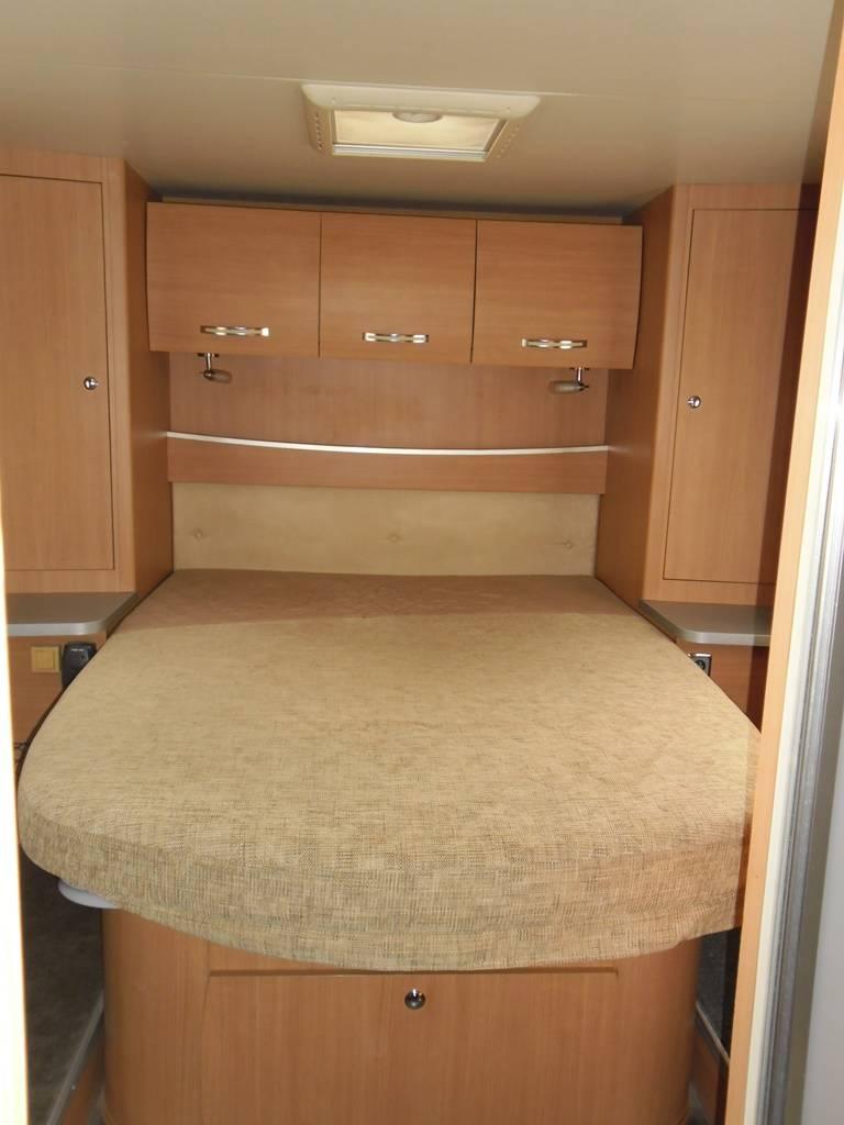 vend camping car profil u00e9 chausson flash 28 d u0026 39 occasion  u00e0 la